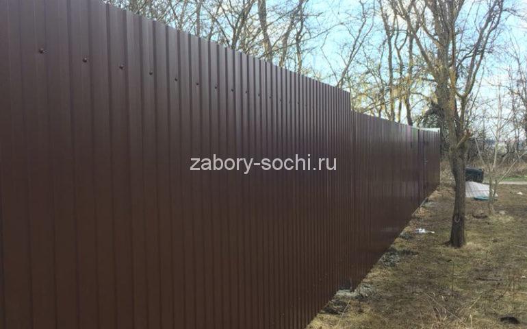 забор из профлиста в Сочи